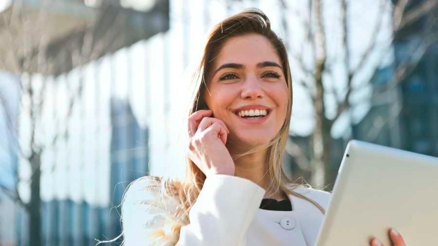 Cada vez más mujeres y jóvenes autónomos se dan de alta como agentes comerciales